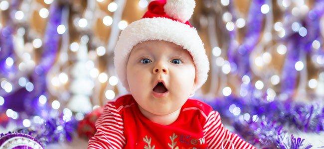 Bebé con gorrito de Papá Noel