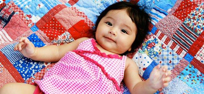 Niña latina bebé
