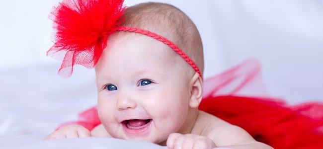 bebé sonríe