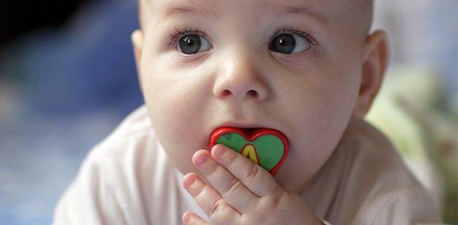 Seguridad en los objetos al alcance de la mano del bebé