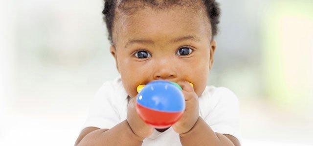 Primeros juguetes de bebé