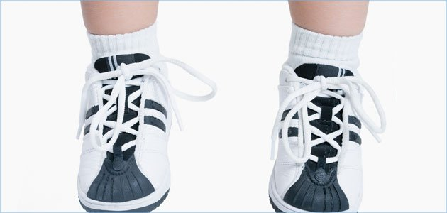 Los primeros zapatos para el bebé