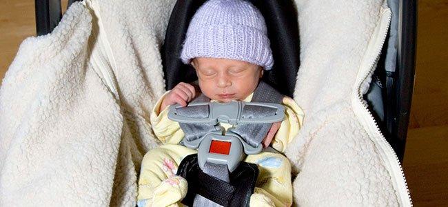 El peligro de que el beb se duerma en la silla del coche for Silletas para ninos