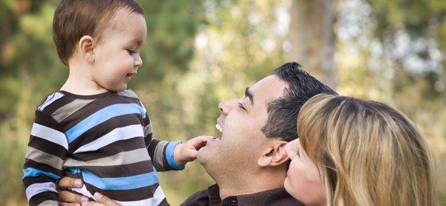 Beb de catorce meses desarrollo del beb mes a mes - Con cuantos meses se sienta un bebe ...