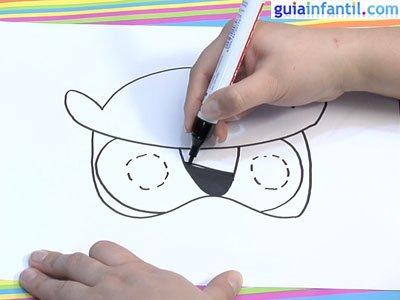 Dibujar una careta de búho. Paso 3.
