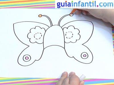 Antifaz de mariposa para colorear. Paso 4.