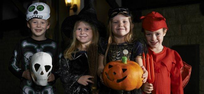Celebrar Halloween con niños.