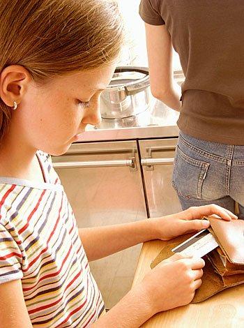 Niño que roba: cómo corregir esta mala acción