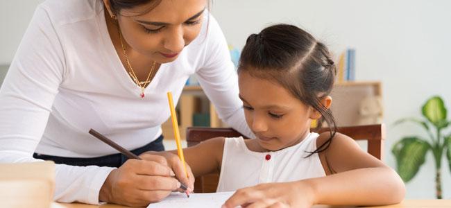 Cómo ayudar a los niños con sus deberes escolares