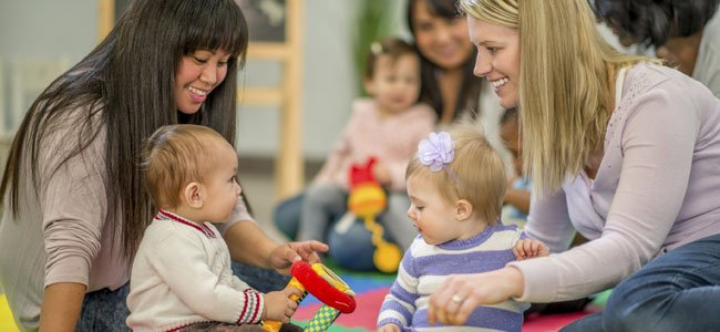 Profesoras con bebés