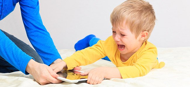 Niños adictos a la tablet