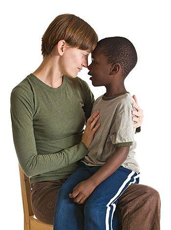 Hablar de la adopción a un niño de 7 años de edad