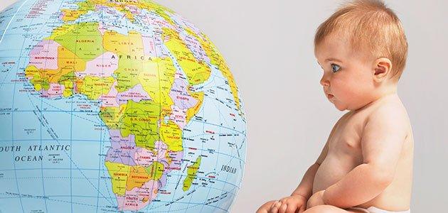 Bebé mira el mundo