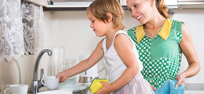 Consejos para que los niños colaboren en las tareas del hogar