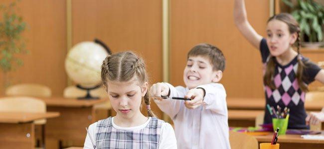 Adolescente con problemas de comportamiento adolescente arriesgado
