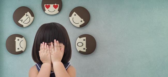 Enseñar al niño a controlar sus emociones