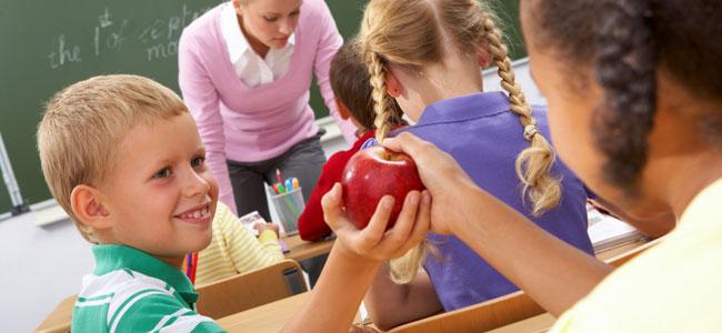 Enseñar a los niños a ser generosos