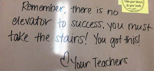 Las Motivadoras Frases Que Una Profesora Deja En Los