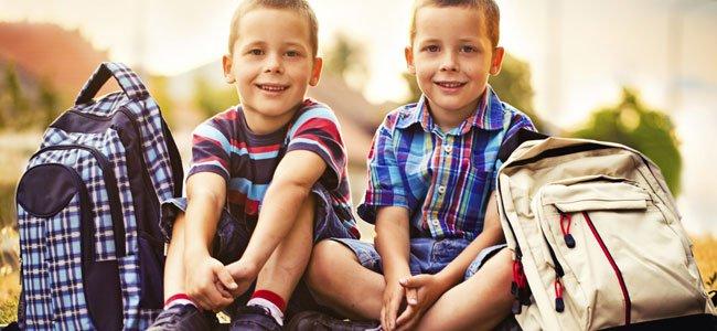 Hermanos gemelos: juntos o separados en el colegio