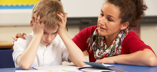 La bondad ayuda a niños con trauma a aprender