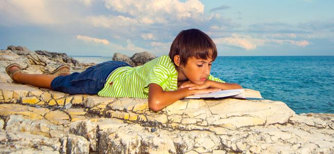 Lograr que los niños lean en vacaciones