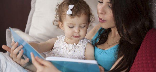 Beneficios de leer en voz alta a los bebés y niños