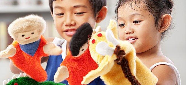 Beneficios de jugar a las marionetas con los niños