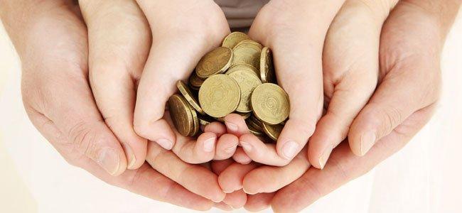 Errores de los padres cuando dan la paga a los hijos