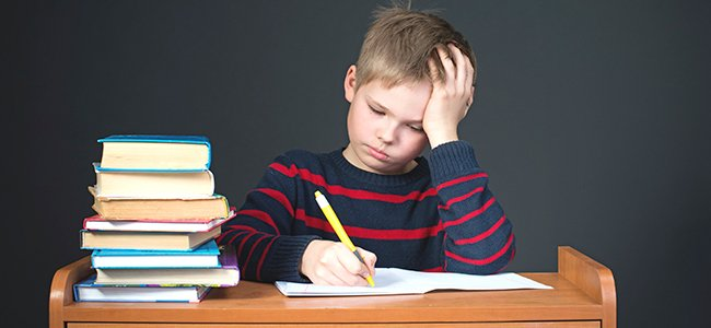 Demasiados deberes para niños de primaria