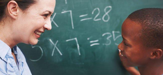 Enseñar las tablas de multiplicar a los niños de Primaria