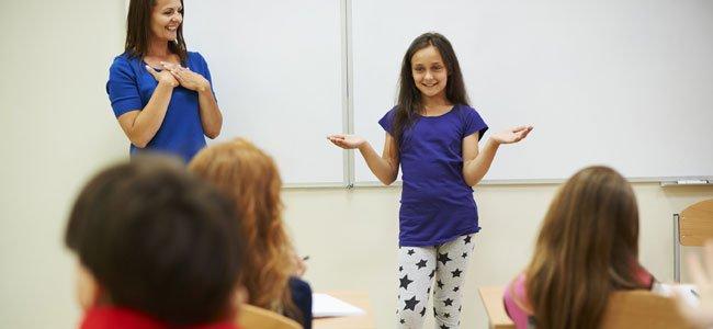 Cómo ayudar a los niños a hablar en público