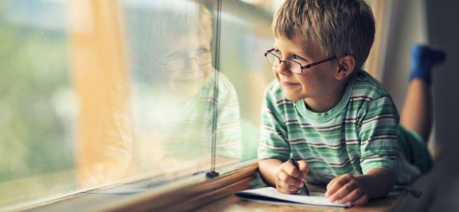 Trucos para enseñar al niño a escribir poesía