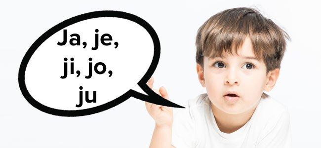 Niño pronuncia la J
