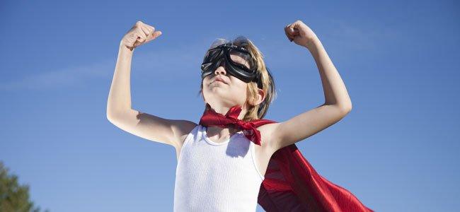 Niño superheroe