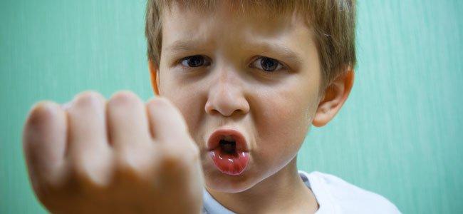 Los indicios de la eccema sobre las uñas