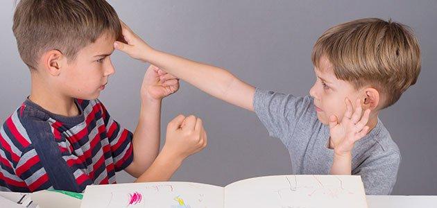 Niños pelean