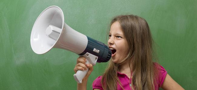Lograr que los niños hablen bajito