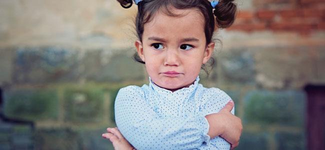 Niños susceptibles que se enfadan a menudo