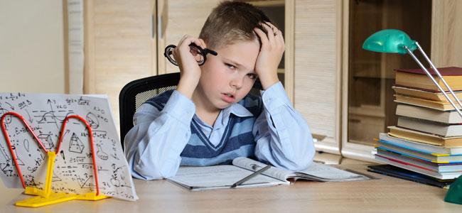 Qué hacer cuando el niño no quiere hacer los deberes escolares