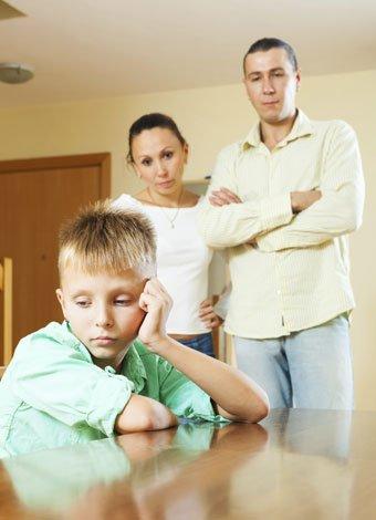 Ley Cenicienta castiga a los padres que no den cariño
