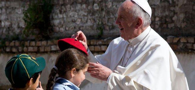 Papa Francisco con niños