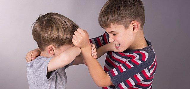 La conducta agresiva y bruta de algunos niños