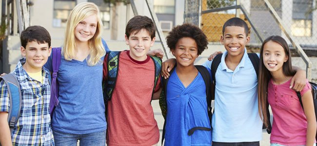Grupo de niños preadolescentes
