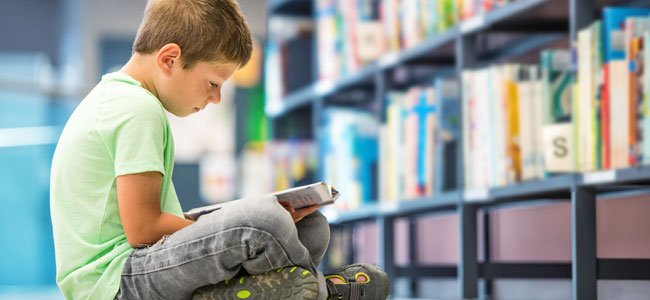 Niños a los que les cuesta leer