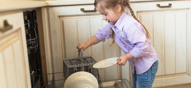 Tareas del hogar es bueno para el desarrollo del niño