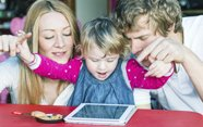 Ayudar a los niños con las nuevas tecnologías.