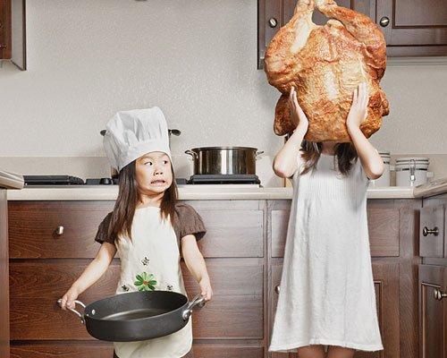 Fotos originales de travesuras infantiles en la cocina