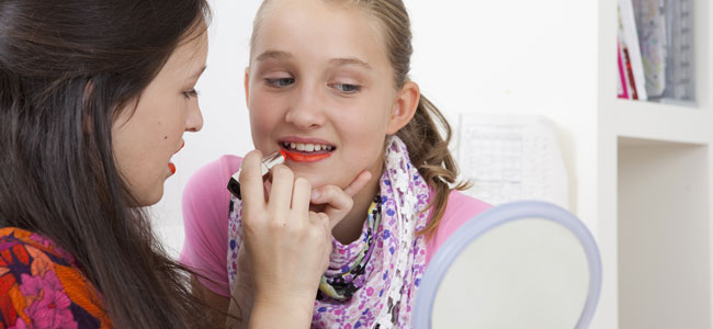 Riesgos de vestir a las niñas como adolescentes