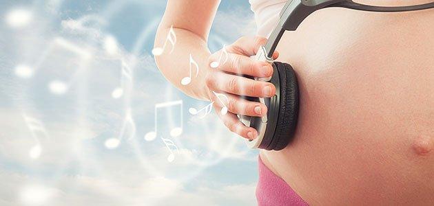Embarazada con cascos