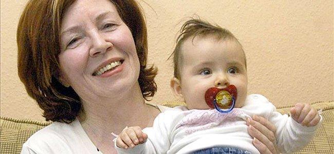 Embarazada de cuatrillizos a los 65 años. Annegret Raunigk